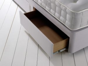Drawer Runner New 02 72dpi [LR]